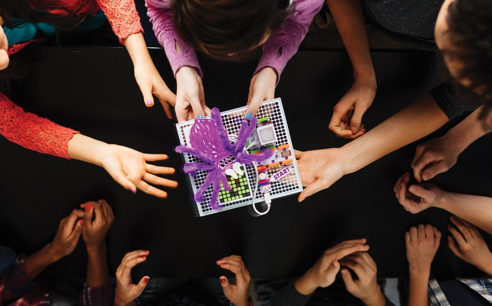 Gioca con littleBits Code Kit
