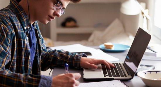 Didattica a distanza: come si svolgeranno gli Esami di Stato e come sarà valutato quest'anno scolastico