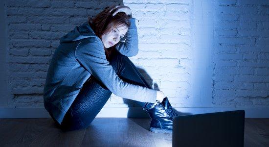 Comunicazione e linguaggio online: un approfondimento del fenomeno del cyberbullismo